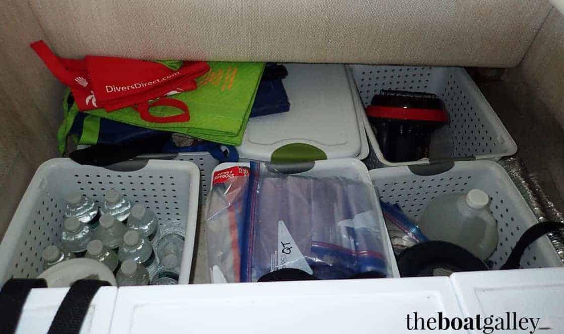 Galley storage bins